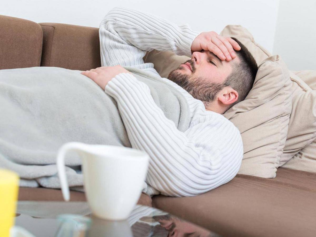 Coronavirus-travel-tips-sickness